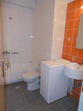 Salle de bain avec machine a laver picture of kleanthi - Salle de bain avec machine a laver ...