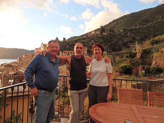 Camere Giuliano: Our host, Giuliano, with us on the patio