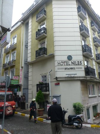Hotel Niles Istanbul: Hotel Niles from the outside.