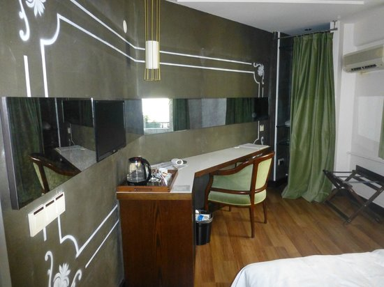 Hotel Niles Istanbul: Room 205 or 206 (a small room with an unusual shape but at the end of the corridor)