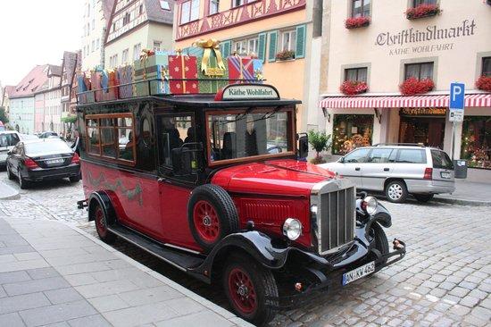 Deutsches Weihnachtsmuseum: auto di babbo natale