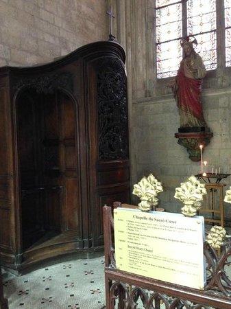 Cathédrale Saint-Pierre de Lisieux : Confessional