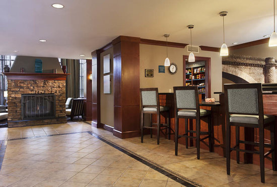Staybridge Suites Denver-Cherry Creek: Comfort starts in our lobby