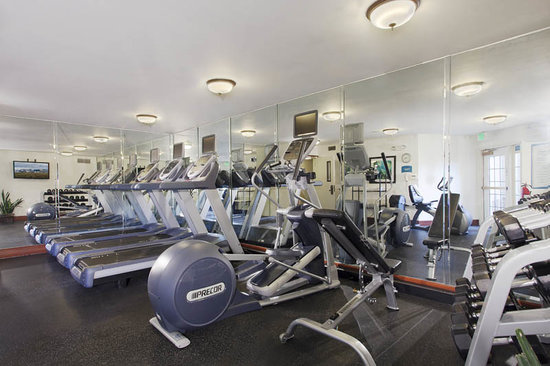 Staybridge Suites Denver-Cherry Creek: Work out in style!