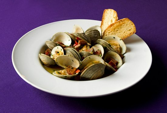 12 Grapes: Steamed Clams