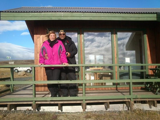 Lake Thingvellir Cottages: husband and wife