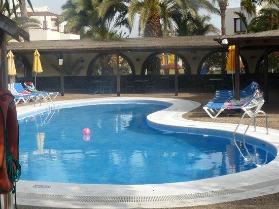 Suite Hotel Atlantis Fuerteventura Resort: otra piscina