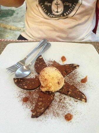 Marco: Chocolate desert
