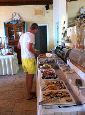 Delfino Blu Boutique Hotel: Morgens beim Frühstück