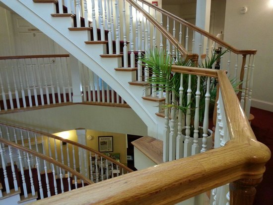 Currier Inn Bed and Breakfast : Staircase Staircase