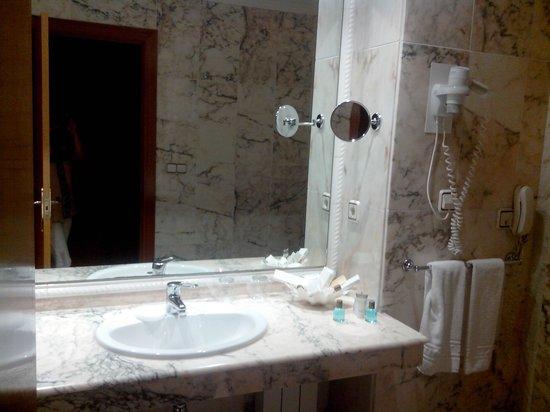 Hotel Carlos I Silgar: Baño