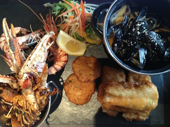 Oblo: Seafood platter to die for :) !!