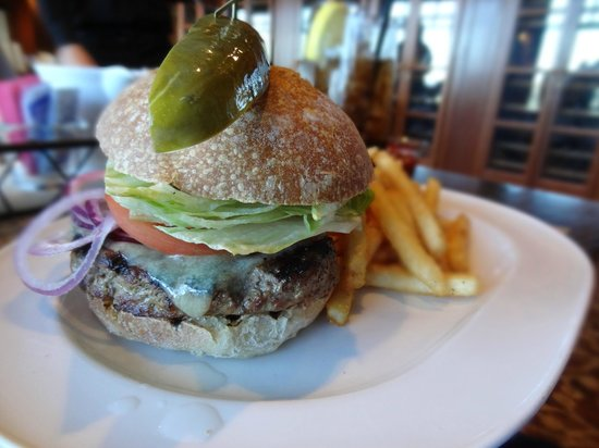 The Dining Room at Salish Lodge & Spa: over-cooked, dry burger