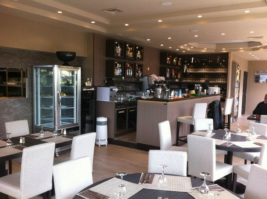Chez Lucienne : Inside
