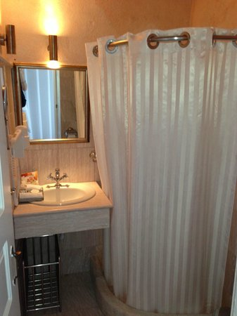 Mill Houses Elegant Suites: the bathroom