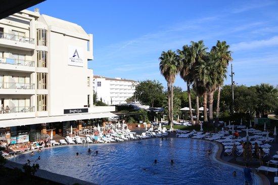 Aqua Hotel Aquamarina : территория отеля