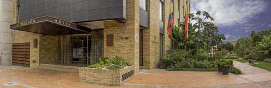 Morrison 114 Hotel: Gardens and Hotel Entrance