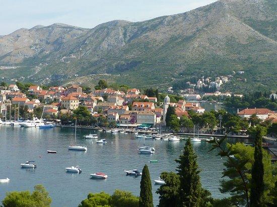 Hotel Croatia Cavtat: Ovelooking the bay