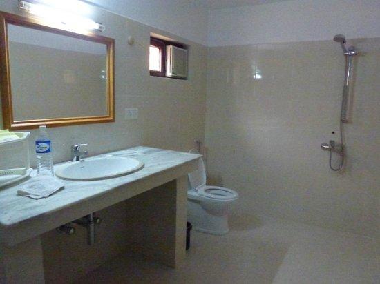 Ro-Chog Pel Hotel : Salle de bains
