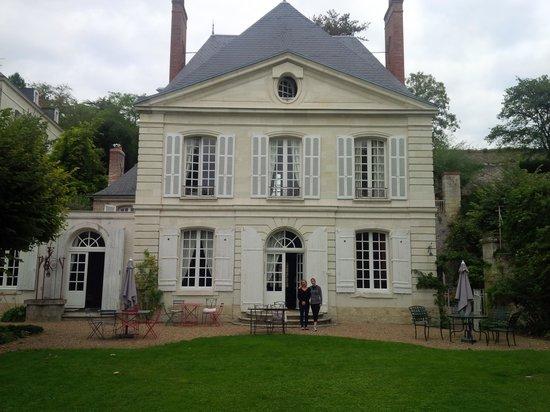 Bagatelle, chambres d'hotes en Touraine : Anne (à gauche) et mon épouse (droite)