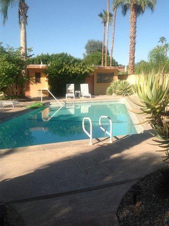 El Mirasol Villas: front pool