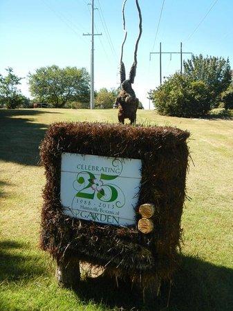 Huntsville Botanical Garden: Scarecrow Trail