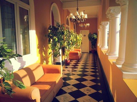 LP Piura Hotel: balcón hacia la plaza de armas