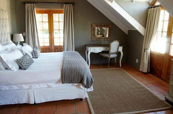 Avondrood Guest House: Family Deluxe Suite main bedroom