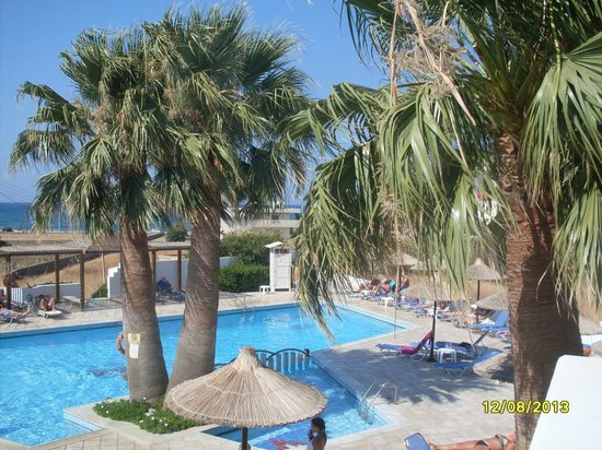 Hara Ilios Hotel : piscine de l'hôtel