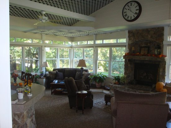 Andon-Reid Inn Bed and Breakfast: Common area for relaxing and socializing