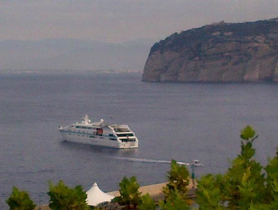 Hotel La Meridiana: Sorrento gets busy when the cruise ships are in