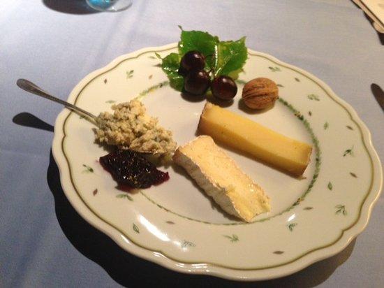 Au Soldat de l'An 2 Hotel Restaurant de charme : The Cheese Plate