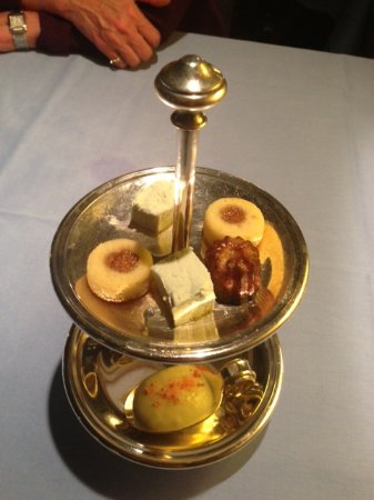 Au Soldat de l'An 2 Hotel Restaurant de charme : What's this...in case you haven't already had enough to eat...