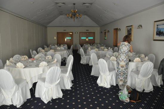 Best Western Plus Bentley Hotel & Spa: The room being set up