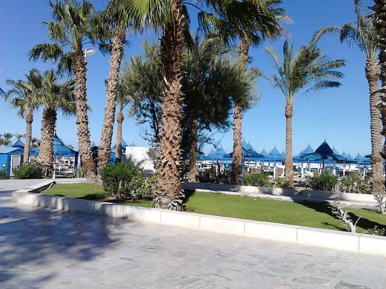 The Grand Hotel Hurghada: Hotel park