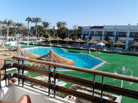 The Grand Hotel Hurghada: View from room 333 to pool