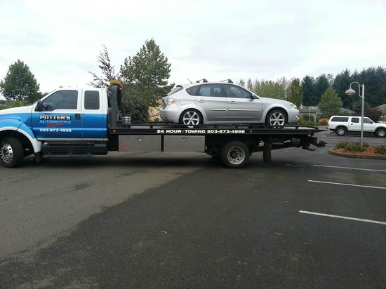 Oregon Garden Resort: Our vehicle heading to Les schwab for repairs