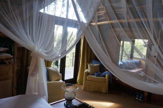 The Phantom Forest Eco-Reserve: Bedroom - romantic