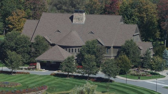 The Tower at Turning Stone Resort : Golf Course on grounds