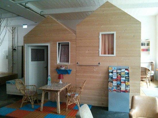 Huettenpalast : Two cabins side by side