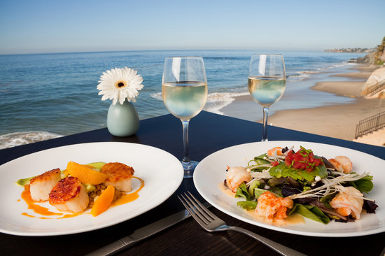 Beachfront Dining in Laguna Beach
