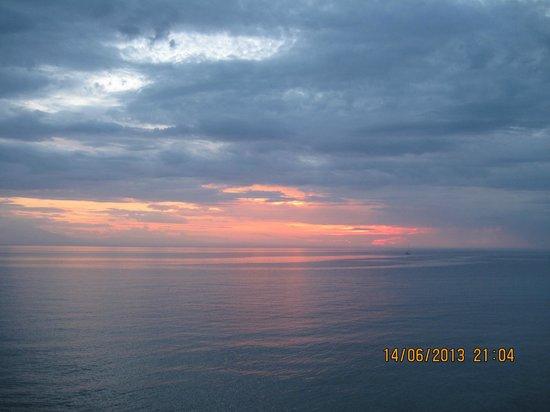 Sani Asterias : Sani Sunset