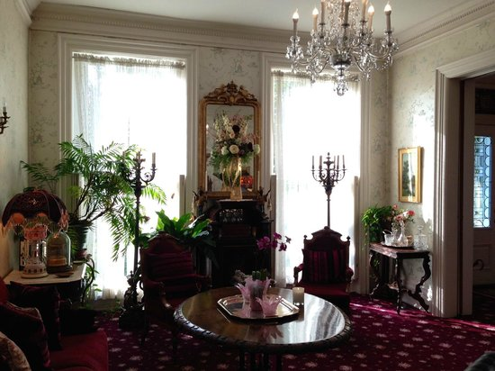 Central Park Bed and Breakfast: sitting room