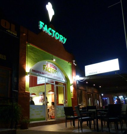 The Gelato Factory: TGF by night, easy to find!