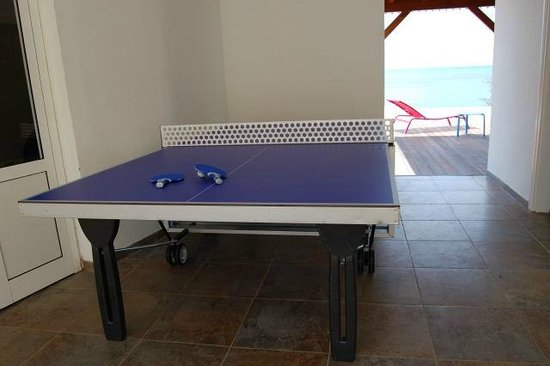 Table de ping pong à la villa Madras