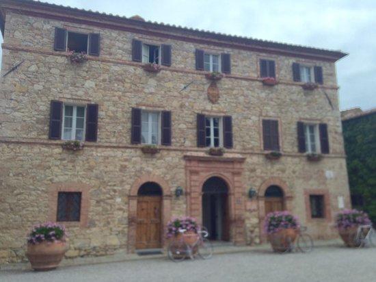 Hotel Borgo San Felice : Main palazzo