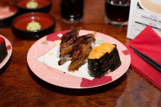Sushi Hiroba : Eel nigiri and Sea urchin gunkanmaki