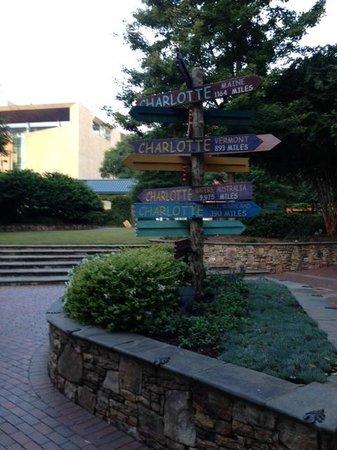 Hilton Garden Inn Charlotte Uptown: Downtown park