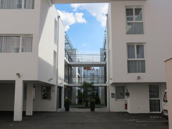 Appart'City Pau Centre : Entrée principale