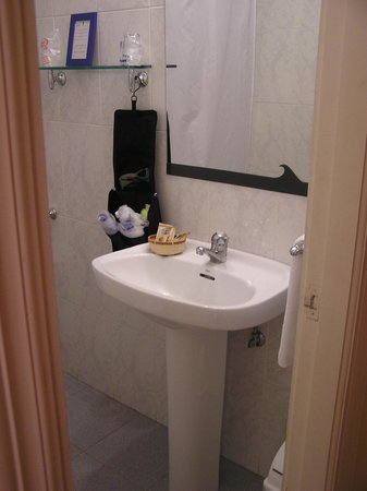 Eco Hotel Mundaka: Bathroom